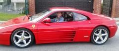 Antonio González a bordo del Ferrari con el que denuncia Valores Santander