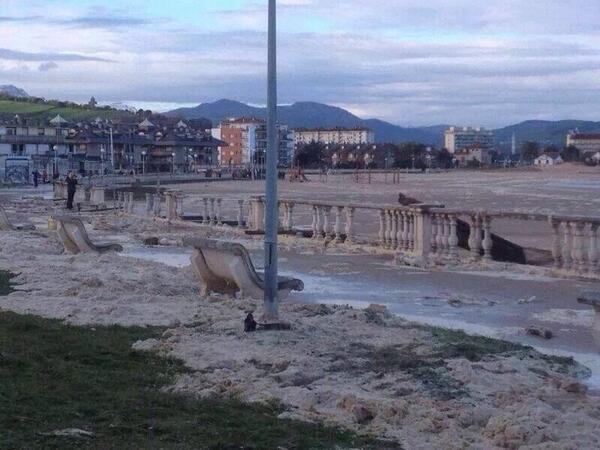Fotografia ayuntamiento de laredo cantabri playas con encanto playa la salv 233 en laredo - Apartamentos la marina laredo ...