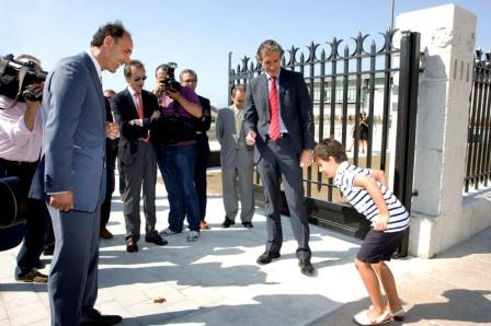 En la apertura al público de la reforma del dique de Gamazo