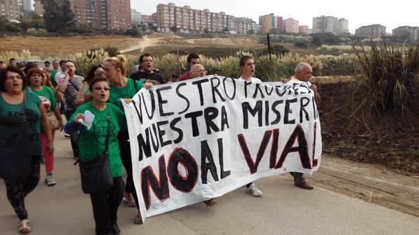 Activistas recorren camino hasta Las Llamas
