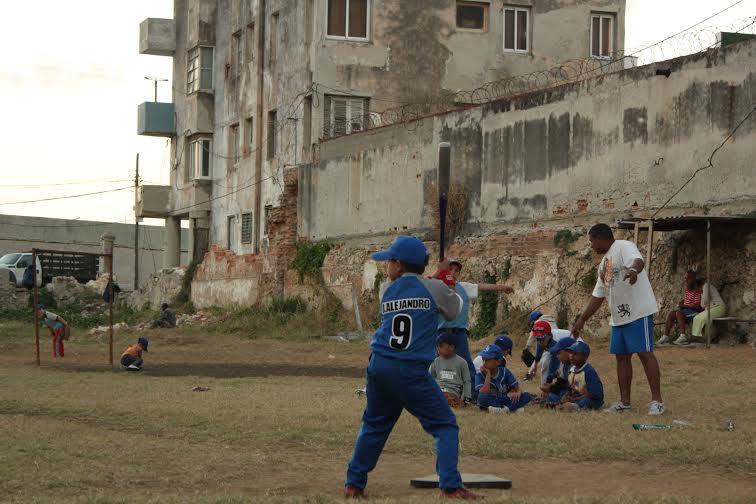 Niños jugando en Cuba