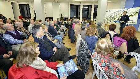 Iñigo De la Serna en la reunión con las asociaciones vecinales el pasado viernes.