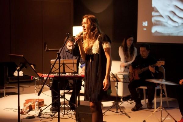 Yenia y Nahúm en plena actuación.