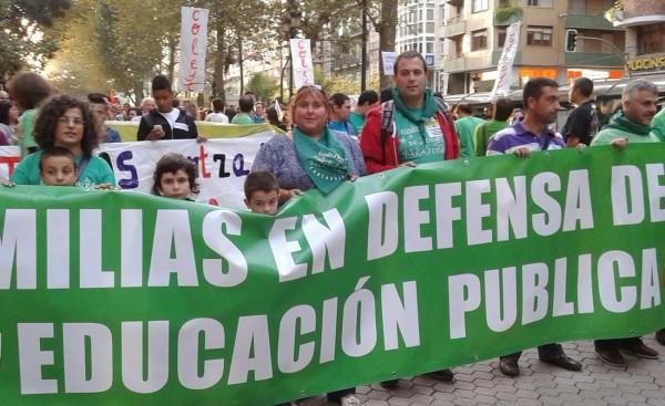 Jose Luis, en medio de la imagen, junto a compañeros de FAPA