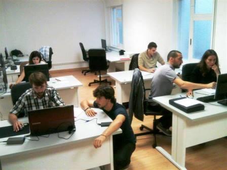 Los miembros de Cocano Games en su sede en Distrito Beta.