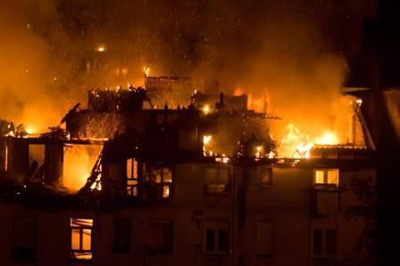 Incendio en la calle Tetuán el 8 de octubre de 2008 || Foto: Joaquín Gómez Sastre