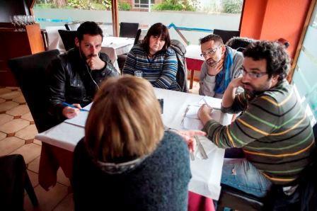Los familiares de las víctimas del Cabildo y de de Amparo comparten experiencias