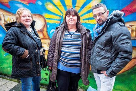Familiares de las vícitmas del derrumbe del Cabildo y de Amparo Pérez advierten de que situaciones como la suya seguirán prudicéndose
