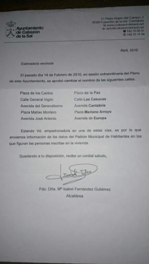 Carta enviada a unos vecinos en abril de 2010 donde el Ayuntamiento de Cabezón de la Sal informa del renombre de las calles.