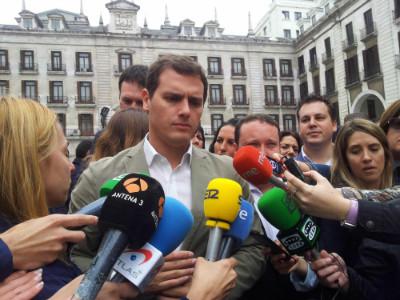 Rivera ha atraído la atención de los medios de comunicación más grandes...
