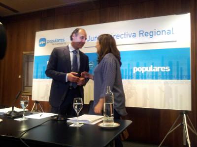 Diego ha comparecido junto a María José Sáenz de Buruaga para hacer balance de los resultados electorales.