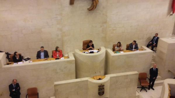 La nueva Mesa del Parlamento, presidida por Dolores Gorostiaga