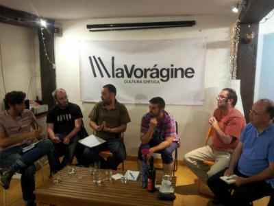 De izquierda a derecha: David Remartínez, moderado, Jon López (Podemos), Alejandro Pérez (ACPT), Jorge Crespo (IU), Umberto Bilbao (CastroVerde) y Alejandro Ahumada (Equo).