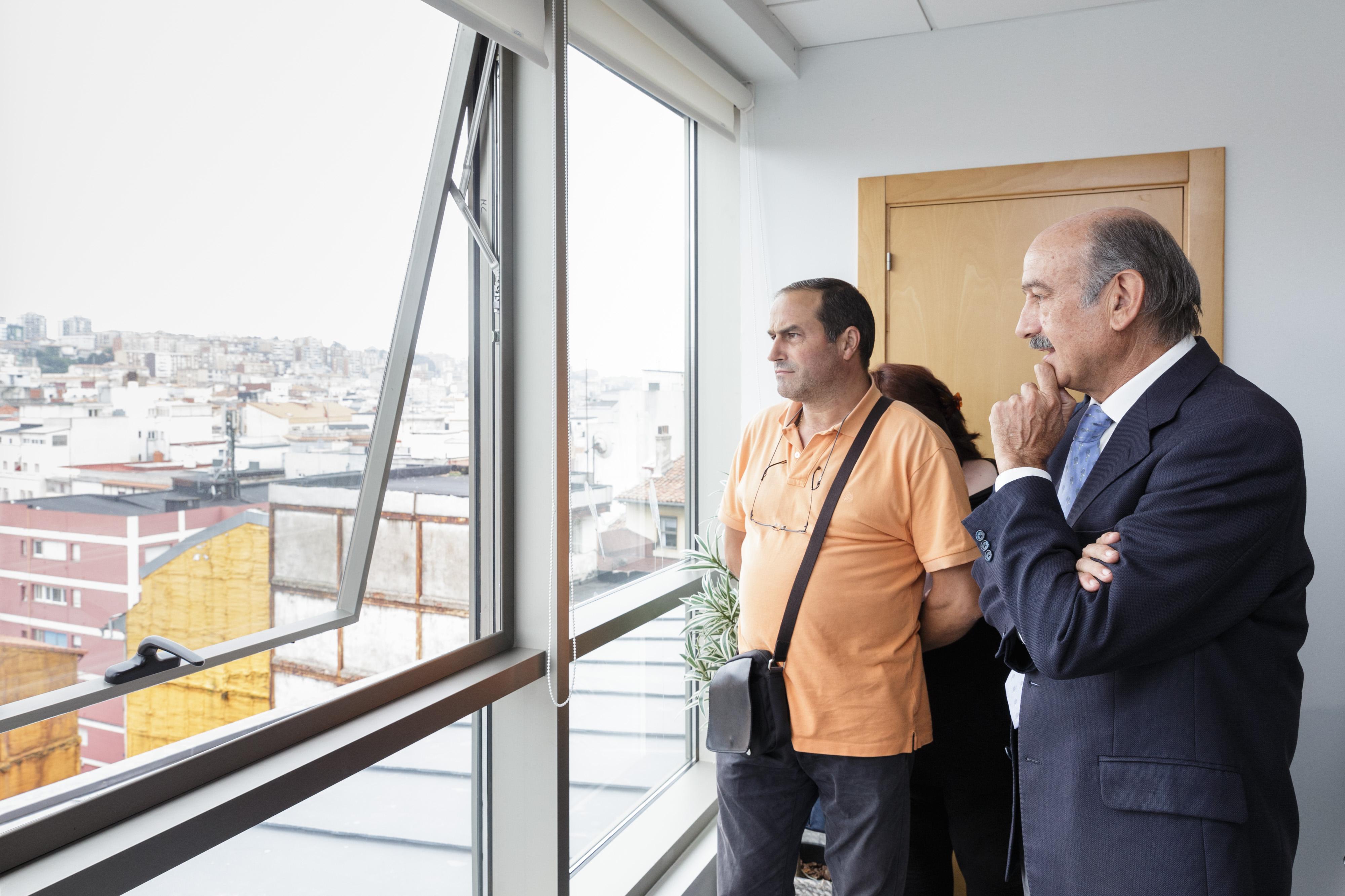 El consejero de obras Públicas reunido con la AA.VV. del Cabildo de Arriba
