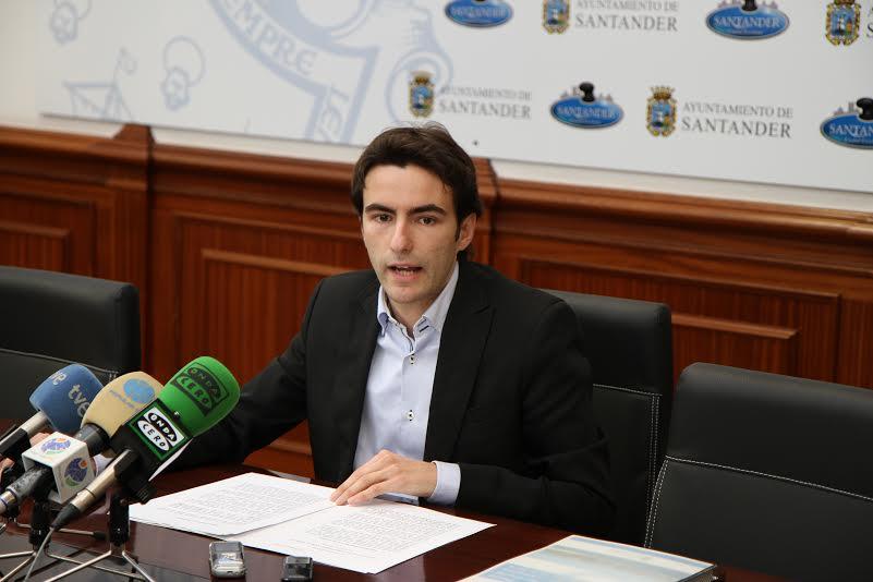 Pedro Casares, líder del PSOE en Santander.
