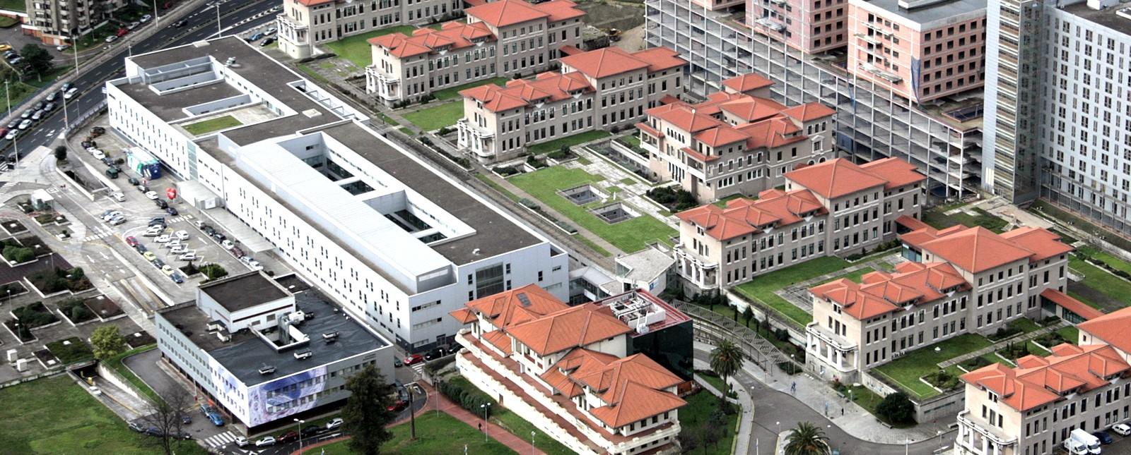 Imagen aérea de las obras de Valdecilla - Ferrovial