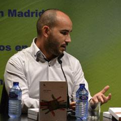 Borja Ventura, presentando en Madrid su libro 'Guztiak'