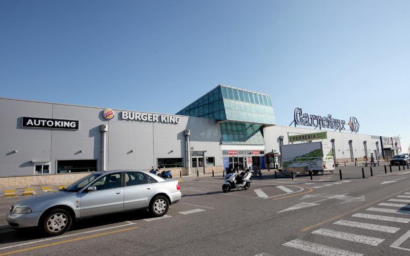 El Alisal se ha convertido en un foco de concentración de centros comerciales