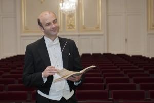 El director Stur Ratislav será el conductor de este concierto.