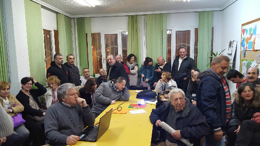 Vecinos de Prado San Roque y el Pilón al comienzo de la reunión.