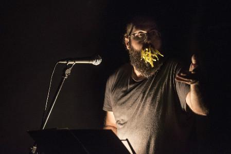 La Surada Poética, impulsada por La Vorágine, es un ciclo de poesía crítica que ya se ha asentado en Santander.