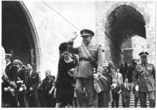 Franco en el traslado de los restos de Menéndez Pelayo. FOTO: Centro de Estudios Montañeses
