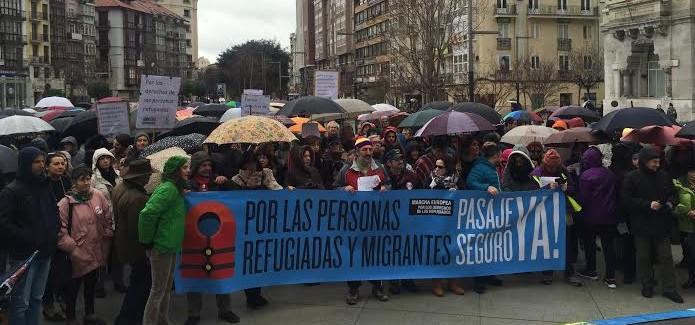 Participantes en la marcha del sábado por un pasaje seguro