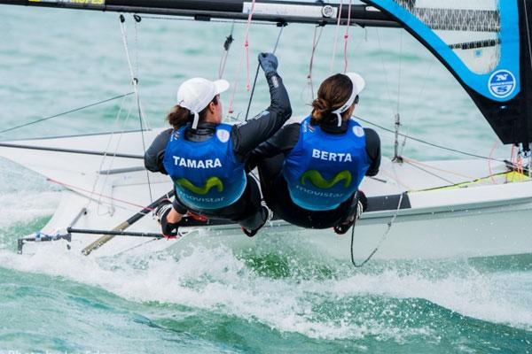 Tamara Echegoyen y Berta Betanzos, campeonas del mundo de 49er FX