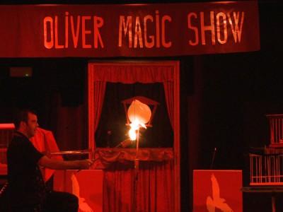 El mago Óliver recoge la historia de 'El libro mágico'.