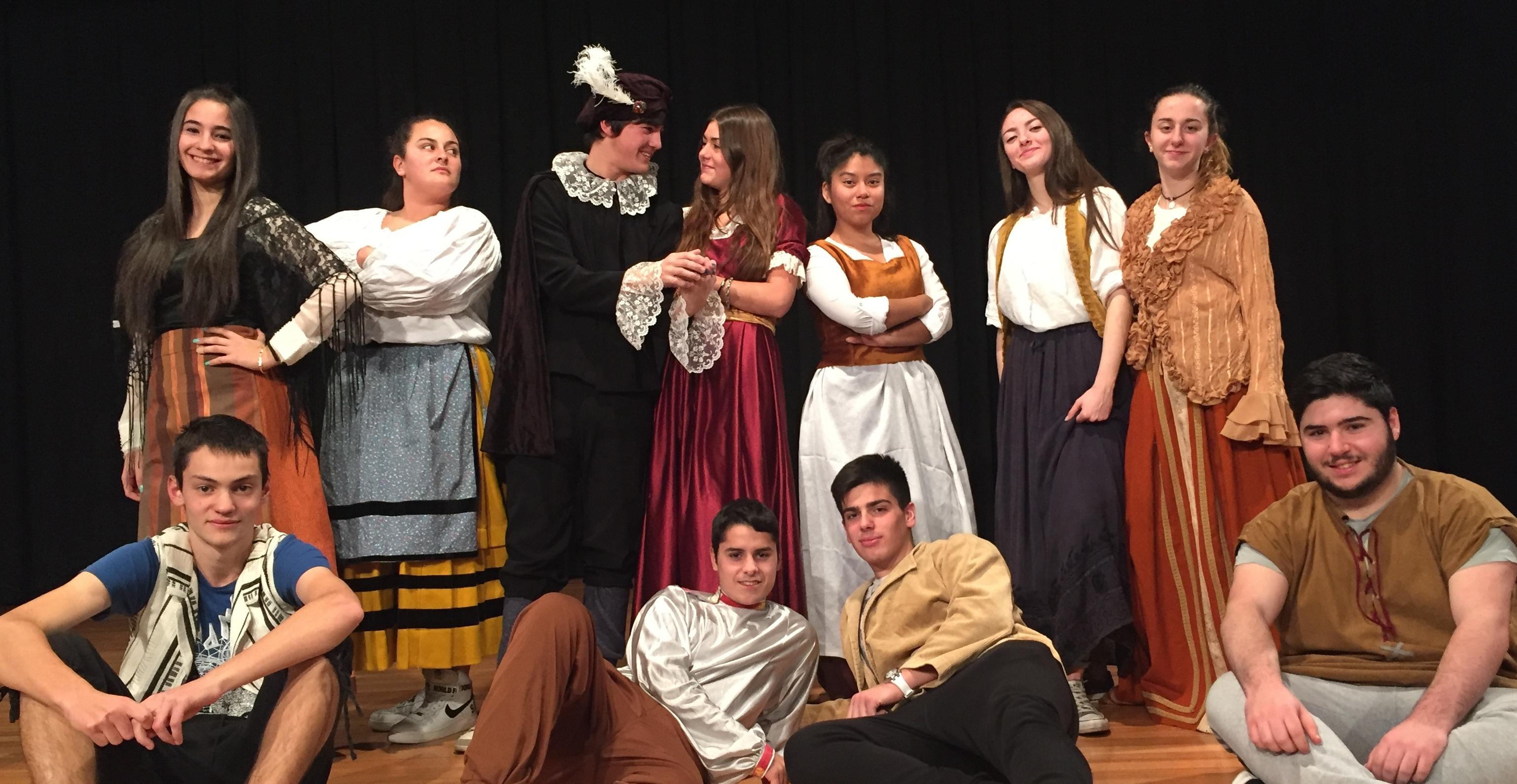 Los alumnos del grupo de teatro