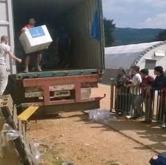El material donado por los cántabros para los refugiados, listo para el reparto