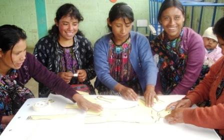 Un taller de género con la asociación Maizca.