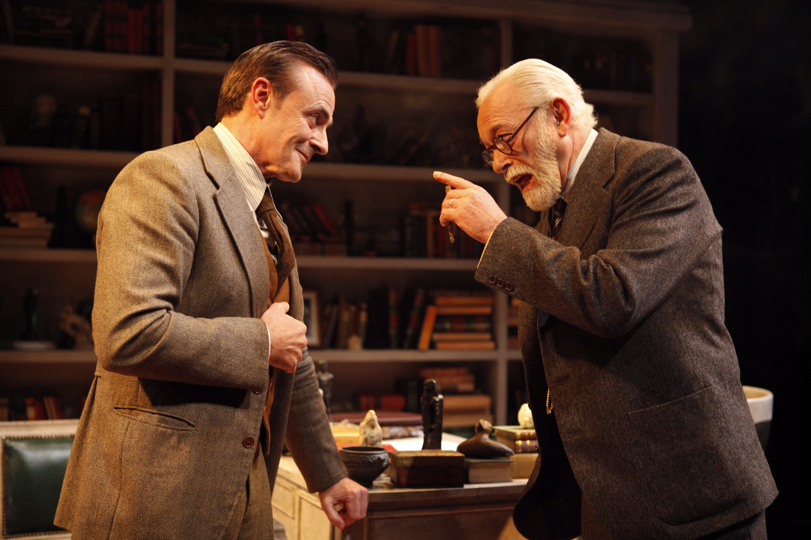 Una peculiar sesión de pscioanálisis con Freud