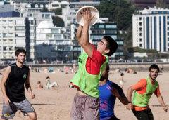 Santander acoge el VI 'In&Out Seven Savage' de Ultimate Frisbee