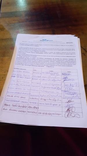 Takbar Haddi está recogiendo firmas y apoyos para poder llevar la violaciones a los derechos humanos de Marruecos al pueblo saharaui.