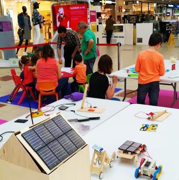 Talleres infantiles de energías renovables en Valle Real.