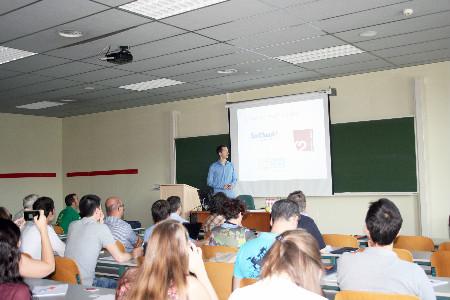 Steven Van Vaerenbergh, director del curso y doctir investigación de la UC durante la presentación del curso.