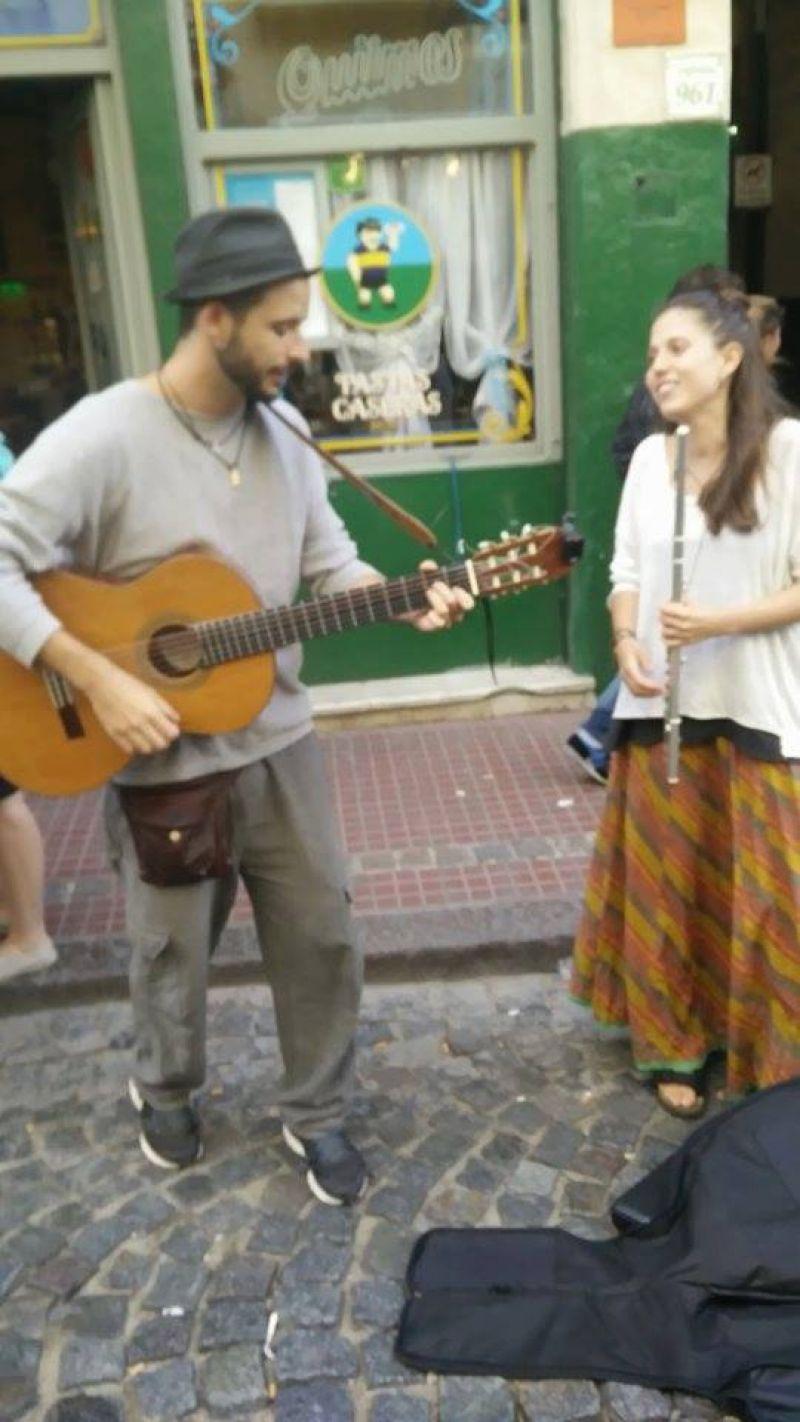 Té Canela es el dúo que amenizará este jueves la noche del UMMA.