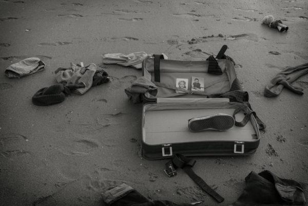 La maleta ¿Quienes son? ¿Dónde están? ¿Por qué? (Fotografía: Bea a través del espejo)
