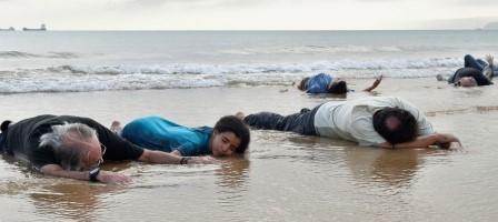 Imagen de la acción 'Lo que el mar nos trae'.    Foto: José Segarra