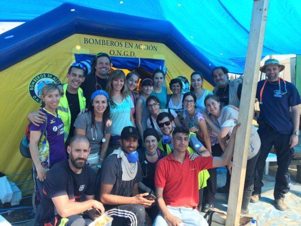 Voluntarios y cooperantes en los campos de refugiados...Pienso, luego actúo (Fotografía: José Vicente Carro)