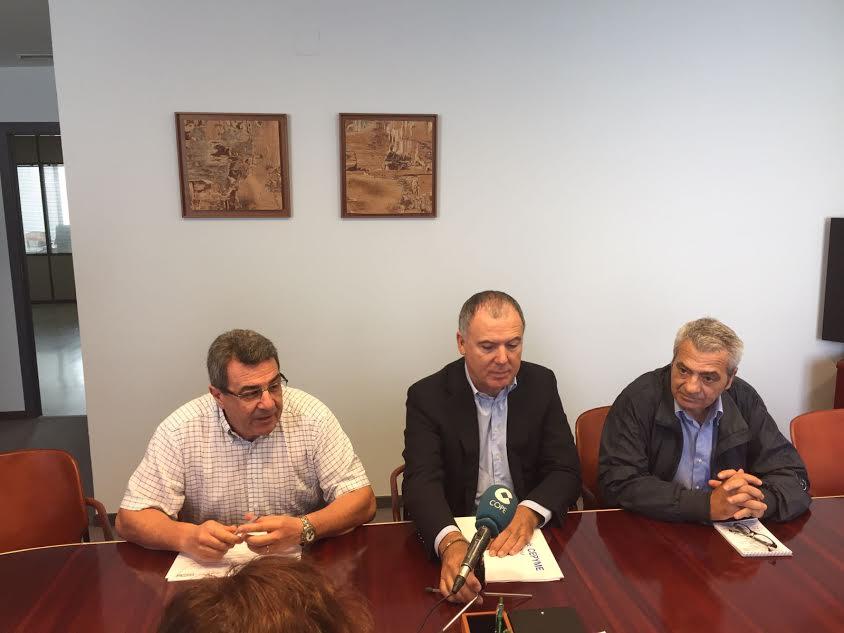 Los representantes de UGT, CC.OO y CEOE han presentado juntos la iniciativa.