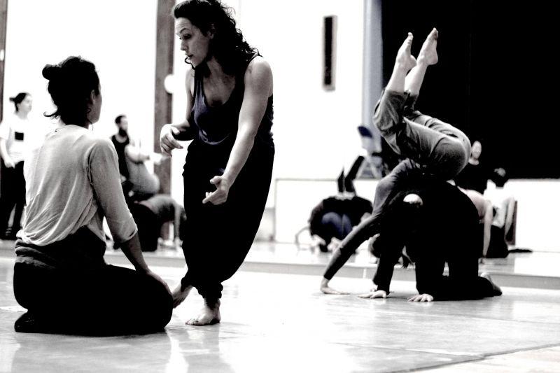Entre las propuestas, hay un taller de Contact Improvisación & Creación Contemporánea