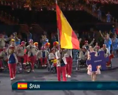 El equipo paralímpico español desfila en Maracaná, con el abanderado José Manuel Ruiz al frente