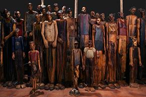 'Not crossing', la impresionante escultura de Eloy Velázquez sobre los refugiados.