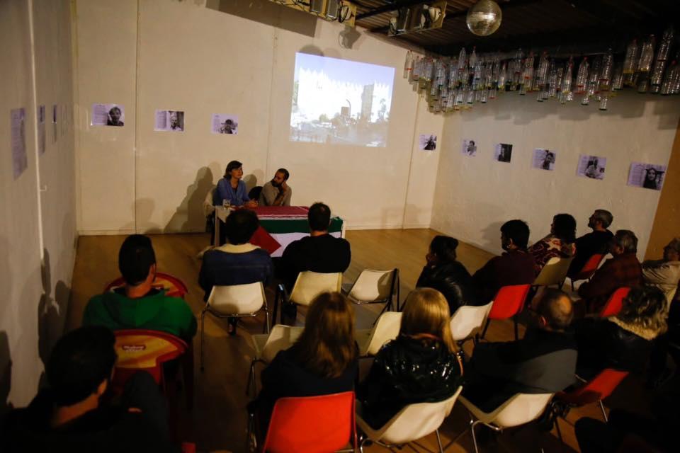 Aitor y Sarah en una de las presentaciones
