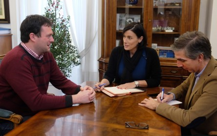 David González, concejal de Ciudadanos en Santander, con la alcaldesa Gema Igual.