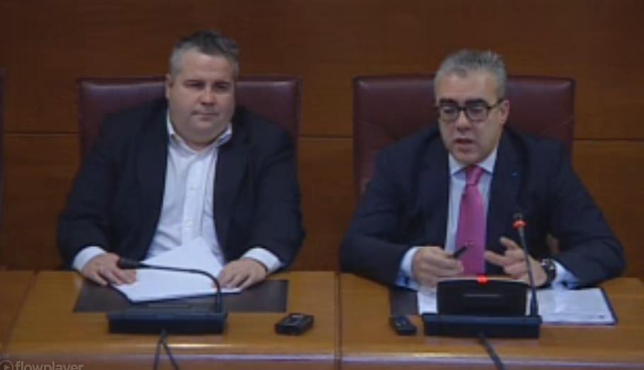 Alberto Bolado (Podemos) y Pedro Hernando (PRC) han presentado la ley en rueda de prensa.