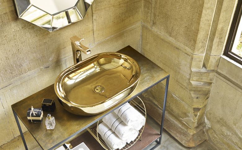Los lavabos de oro, la nueva iniciativa de Bathco.