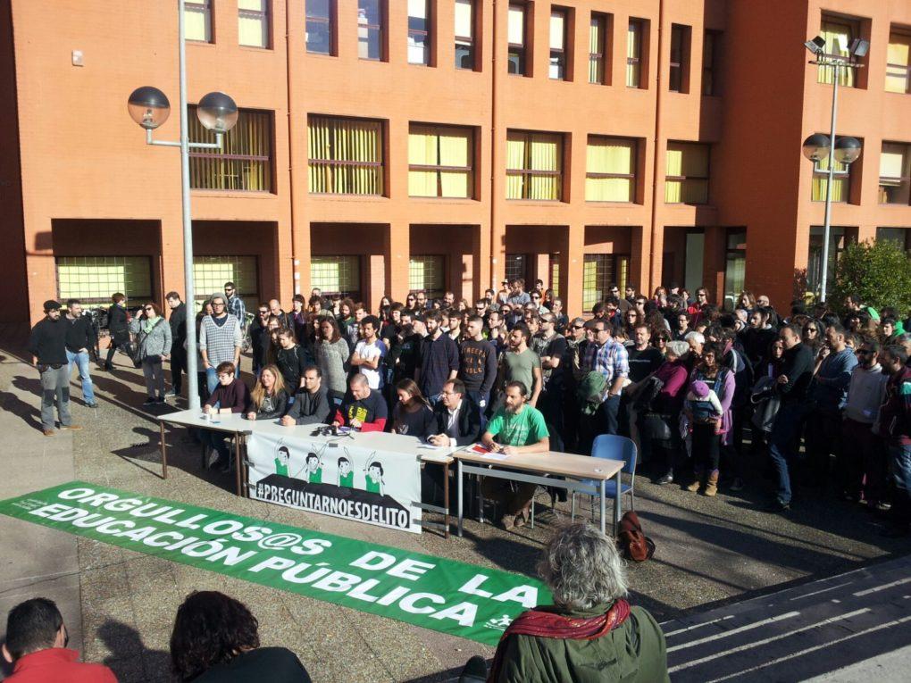 Acto de apoyo a Preguntar No Es Delito en la UC (Foto: Roberto Ruisánchez)